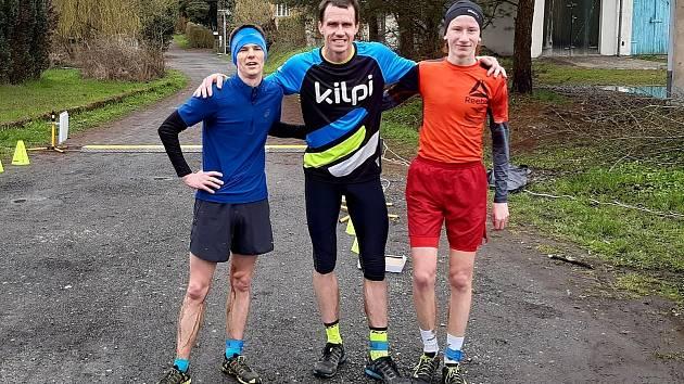 Trojice medailistů z Kynšperka. Vlevo stříbrný Jakub Coufal, uprostřed zlatý Michal Oplt a vpravo bronzový Tomáš Kožák.