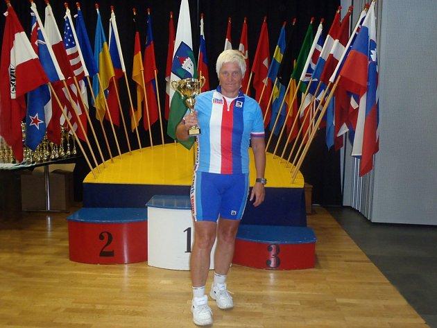 Ze slavnostního ceremoniálu Světového poháru v cyklistice – Věra Ježková na 4. místě.