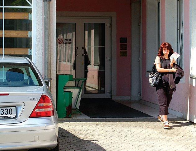 V Březové funguje mimo jiné i zrekostruované zdravotnické středisko. Lidé v něm naleznou obvodní lékařku, zubaře i lékárnu.