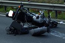 V neděli 20. září havaroval v Karlových Varech policista na služebním motocyklu