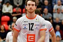 Marc Wilson (číslo 12), blokař VK ČEZ Karlovarsko.