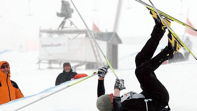 Extrémní závod, extrémní nasazení 130 závodníků ze čtyř zemí a extrémní počasí. To byl ve zkratce premiérový závod Red Bull Nordix v Česku
