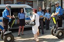 Vozítka segway do lázeňského centra nesmějí. Výjimku samozřejmě mají strážníci městské policie.
