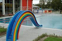 Karlovy Vary hlásí do soutěže o Stavbu roku i venkovní bazén.