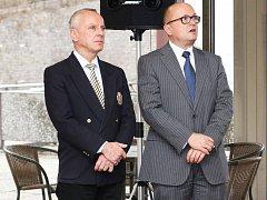 Nedávno jmenovaný ředitel hotelu Thermal Klaus Pilz (vpravo) v Karlových Varech příliš dlouho nevydržel.