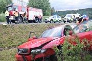 Nehoda osobního auta na sjezdu z D6 u Lokte.
