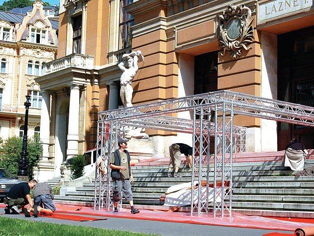 Císařské lázně mění tvář v nádechu filmového festivalu.