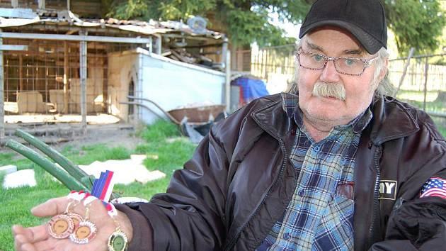 """Čtyři medaile v ruce Jaroslava Mynaříka svědčí o tom, že cenu dostane i """"bramborová"""" pozice."""
