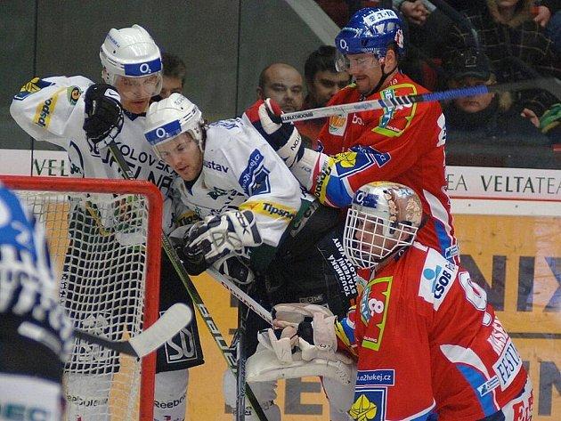 Hokej, 42. kolo extraligy: Karlovy Vary – Pardubice.