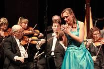47. ročník Mezinárodní pěvecké soutěže Antonína Dvořáka začne v Karlových Varech v sobotu 17. listopadu. Zúčastní se jí 64 mladých pěvců z patnácti zemí světa. Snímek je z loňského ročníku.