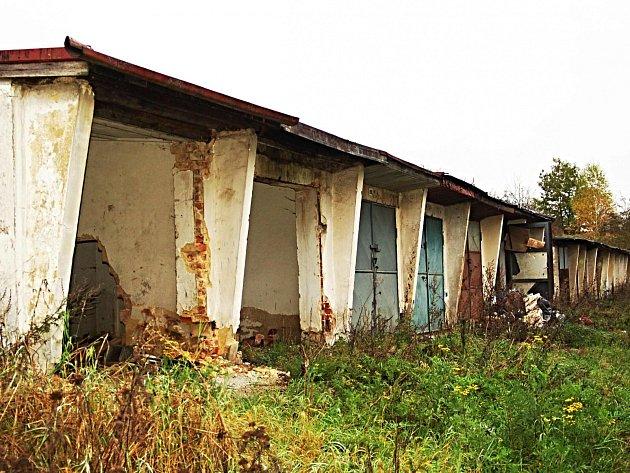 Z Jabloňové zmizelo vloni 300 garáží