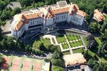 Karlovarský lázeňský hotel Imperial patří k dominantám města.
