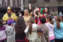 Děti na Jáchymovské pouti pobavilo hlavně divadlo.