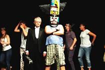 BENEFIČNÍ PŘEDSTAVENÍ Hrajeme o život Automat trochu jinak a Divadelní studio D3.