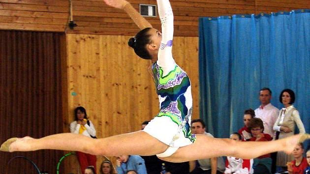 Zlatou medaili vybojovala ještě ne 17letá Tereza Paálová na Jarním poháru města Plzně v kombinovaném programu moderní gymnastiky.
