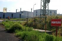 Klidnou zonu narušili svou prací dva geodeti a bagr. Je to záblesk nového rozvoje průmyslové zóny?