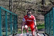 Po vytrvalostních distancích zlákala Lukáše Záhrobského atletická dráha, ve které by chtěl dosáhnout postupem doby na dobré časy, když v současnosti se zaměřil na distanci 400 metrů.