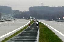 Dokončení silnice R6 je v nedohlednu.