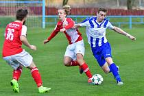 Rezerva karlovarské Slavie vyhrála nad Lokomotivou Karlovy Vary v derby 3:1.