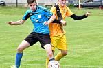 V prvním zahajovacím utkání Turnaje OFS dosáhly na výhru Božičany (ve žlutém), které ve skupině B porazily Kyselku v poměru 6:1.
