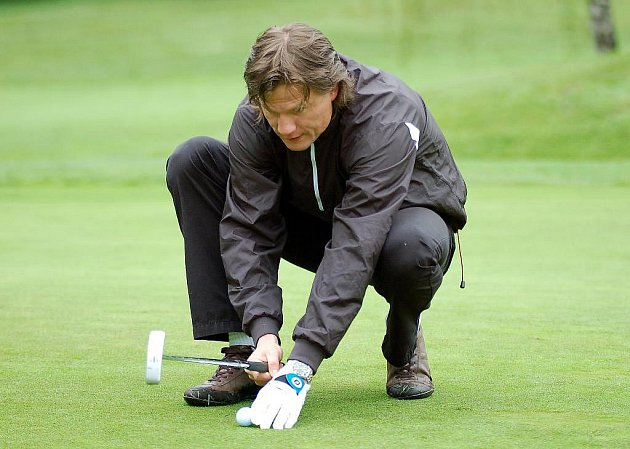 Již druhý ročník golfového turnaje pod patřicným názvem Turnaj mistrů se pořádal se startem v sobotním dopoledni na golfovém hřišti v Olšových Vratech