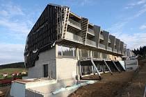 Nové byty vznikly rovněž pod severním úbočím krušnohorského Klínovce