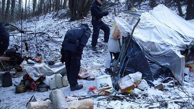 Policisté kontrolovali zahrádkářské a chatové kolonie v okolí Ostrova