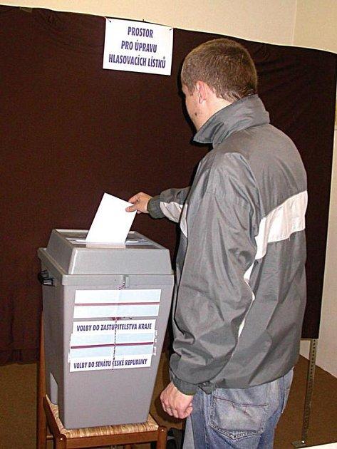 Do krajských voleb zbývá už jen pár dnů. Jak volit, to by si voliči měli pečlivě nastudovat v letáku, který obdrží do schránek společně se sadou hlasovacích lístků.