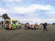 Místo nehody pilota motorového padákového kluzáku.