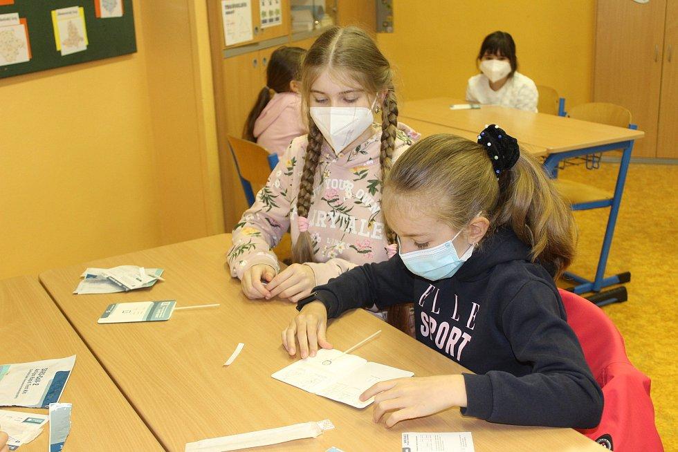 Děti ze 4.A Základní školy Krušnohorská byly při testování velmi šikovné.