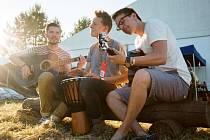 Ben Dover se to nebojí rozbalit ani akusticky. Po odchodu zpěvačky se hodlají vrátit na pódia v létě.