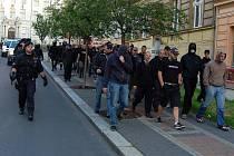 Nepovolená demonstrace ultrapravicových extremistů, která se konala 10. června v Karlových Varech.