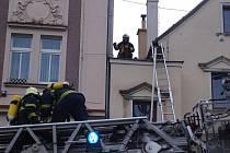 Zásah hasičů u domu, kde vybuchla varna pervitinu