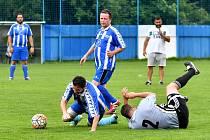 Čtvrteční odpoledne bylo rezervováno na fotbalovém stadionu FK Nejdek vzpomínkovému utkání, ve kterém vzdali hold bývalí hráči Nejdku B a Policie České republiky svému kamarádovi Petru Rutrlemu.