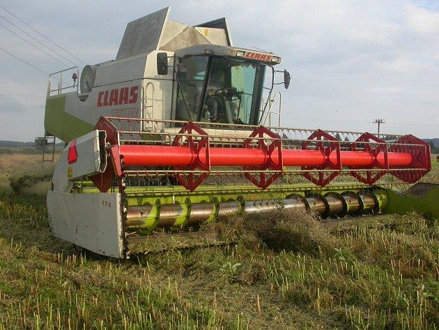 Zemědělci v Karlovarském kraji sklidili přes jednu třetinu ploch.