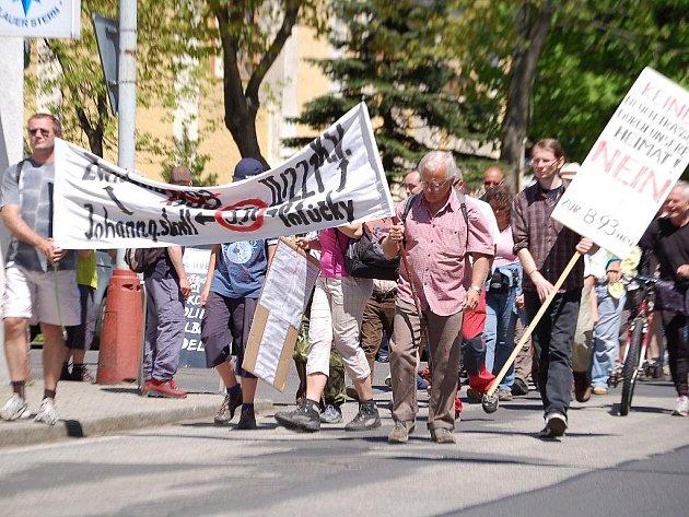 Protestní pochod předznamenal, že sdružení se svými německými kolegy myslí své aktivity vážně.