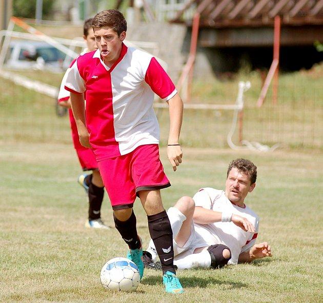 Fotbal: O krále Poohří