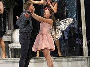 V tragédii Romeo a Julie vynalezl Shakespeare svůj jazyk lásky.
