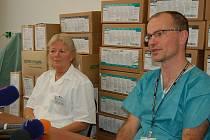 Tisková konference KKN k případu úmrtí pacientky na chřipku A H1N1.
