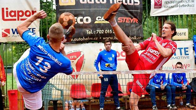 Finálový sen dostal trhliny, Vary nestačily na posílené Modřičáky