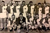 Karlovarská Slavia zažila během své historie velké úspěchy, ale také tvrdé pády, když v roce 2001 vyhasla její hvězda. Zpět na fotbalovou mapu se navrátila o několik let později v roce 2017.