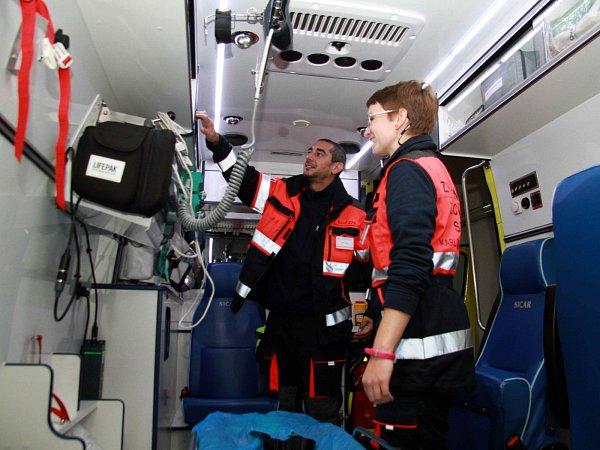 Denně vyjíždějí záchranáři vcelém Karlovarském kraji průměrně ke 110zásahům. Často však kvůli zbytečnostem