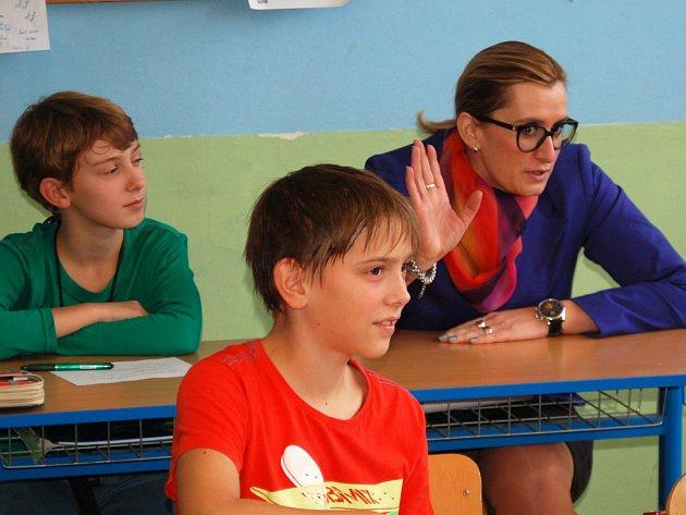 Ministryně pro místní rozvoj Karla Šlechtová se na chvíli vrátila do studentských let.