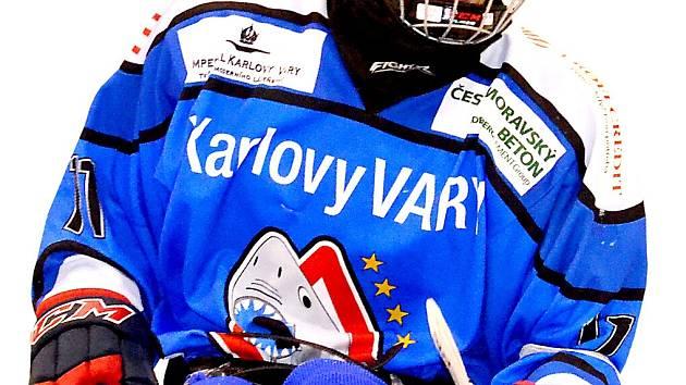ÚTOČNÍK KAREL WÁGNER byl smutným hrdinou zápasu se Spartou, kdy vstřelil regulérní gól, který však poté nebyl uznán. I přesto Sharks dosáhli na ligové body, když se Spartou brali bod a k tomu přidali tři body za výhru nad Českými Budějovicemi.