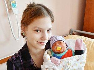 Veronika Kabátová se narodila 13. října v 1:58 mamince Pavle a tatínkovi Martinovi z Ostrova. Po příchodu na svět v plzeňské FN vážila jejich prvorozená dcerka 2720 gramů a měřila 47 cm.