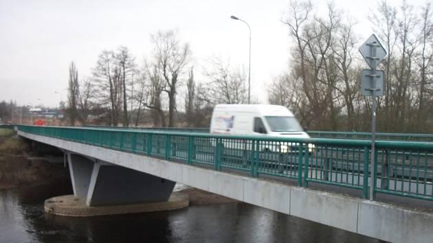 Doubský most přes řeku Ohři v Karlových Varech