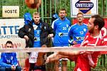 Nohejbalisté SK Liapor Karlovy Vary vstoupili do semifinále extraligy levou nohou, když na kurtech v Doubí nestačili na Modřice, kterým podlehli 3:5 na utkání.
