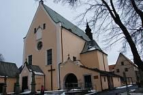 Město plánuje ve sklepech sokolovského kláštera, vedle kostela sv. Antonína Paduánského, zřídit malý pivovar. Archeologové proto provádějí výzkum v místech, kde se budou provádět následně stavební úpravy.