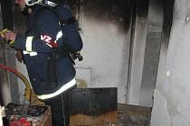 Požár v ulici Pod Jelením skokem v Karlových Varech