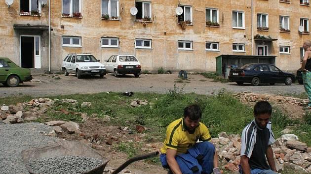 Vloni pracovalo v Dobré Vodě asi šedesát procent obyvatel místní romské komunity.